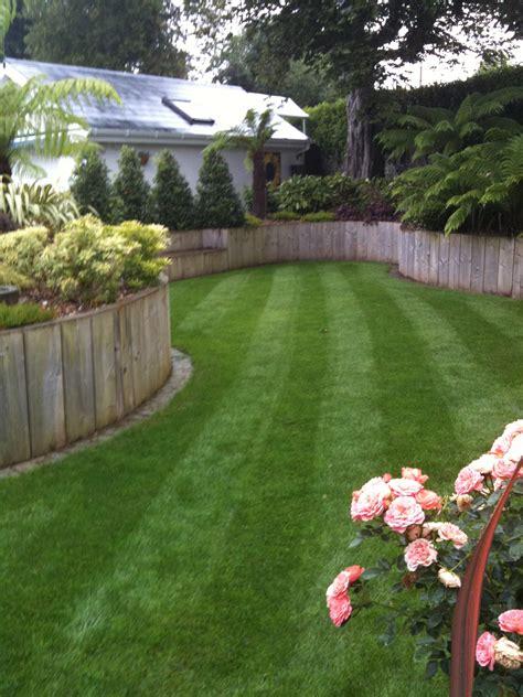The Tradesmen Gardener mart garden landscaping with sleepers