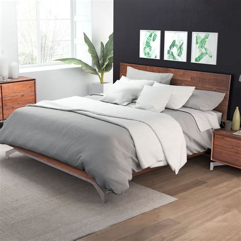 Perth Wood Queen Size Bed In Chestnut Finish For