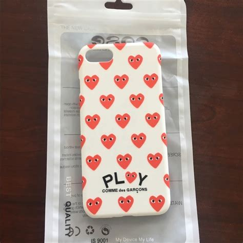 Comme Des Garcons Cdg Play White In Iphone Dan Semua Hp comme des garcons iphone comme des garcons play cdg from s closet on poshmark