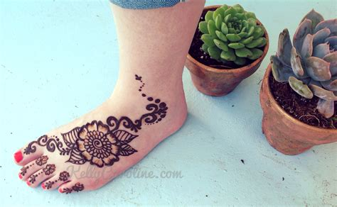 henna tattoo foot simple henna flower on foot makedes