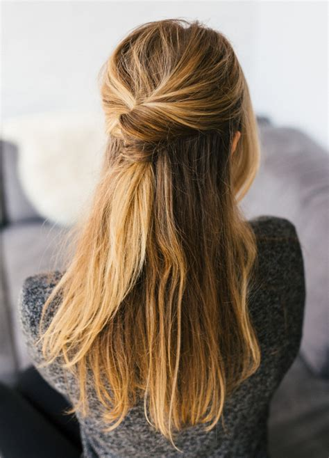 minimalist hairstyle 15 simple hairstyles that are half up half down