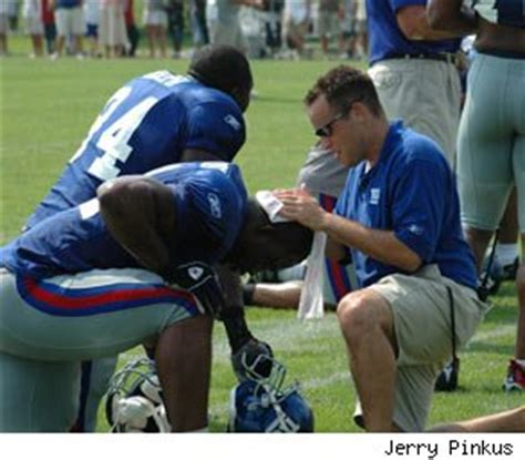 what it s like to be an athletic trainer in the nfl q a with leigh weiss