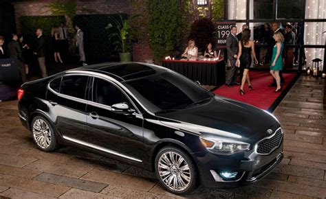 Kia Cadenza Model In Ad 2014 Kia Cadenza Impossible To Ignore Caign Begins