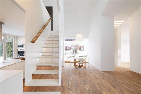 Fenster Treppenhaus Efh by Haus K Offener Wohnbereich Modern Treppenhaus Other