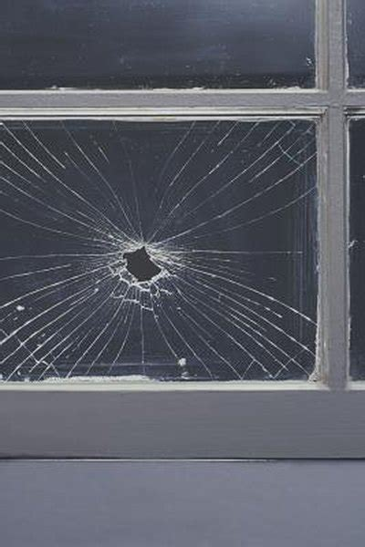 homeowners insurance pay  replace broken windows