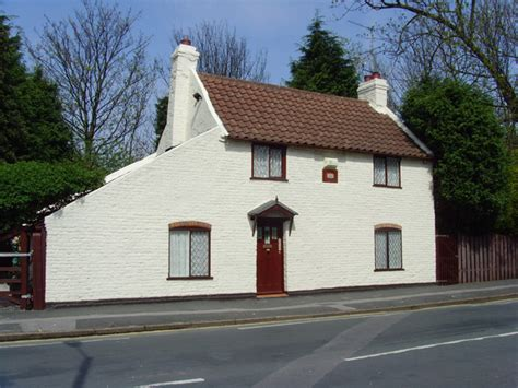 End Cottage by File Bridge End Cottage Hull Geograph Org Uk 789405