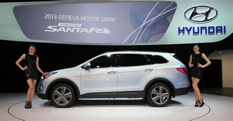 new model hyundai santa fe new grand santa fe offers more european customers access