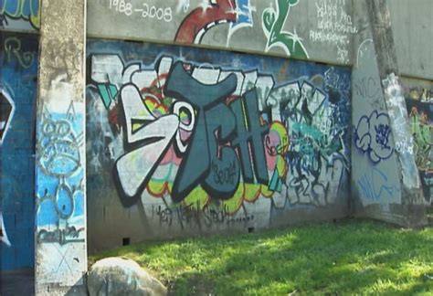 spray painter launceston spray paint ban in graffiti cl heywire