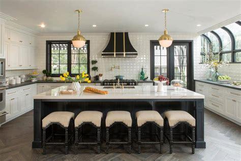 Peek Inside 'Property Brother' Drew Scott and Linda Phan's