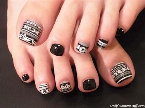 Simple Toenail by 30 Toe Nail Designs Ideas Easy Toenail