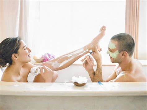 making love in bathtub couples pering session