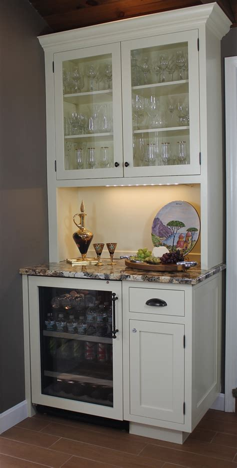 Small Hutch For Dining Room | dining room buffet tables