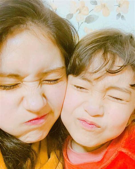 dua lipa younger sister somi s 8 year old sister interviews english singer dua