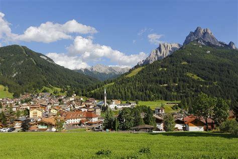 appartamenti vacanze trentino estate vacanze in montagna estate val di fassa nelle dolomiti