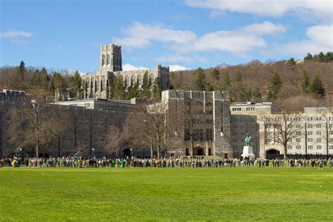 Buku Building Leaders The West Point Way west point senior projects range from drones to