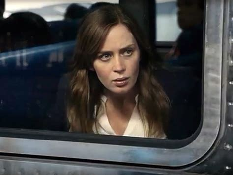 emily blunt trailer the girl on the train with emily blunt first trailer
