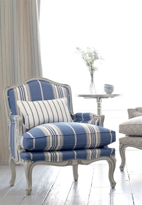 Blue And White Accent Chair Blue And White Interiors Celebrate Decorate