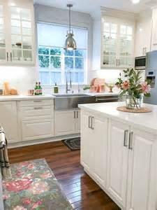 Kitchen Island Decorative Accessories 25 Best Ideas About White Farmhouse Kitchens On Cottage Kitchen Decor Country