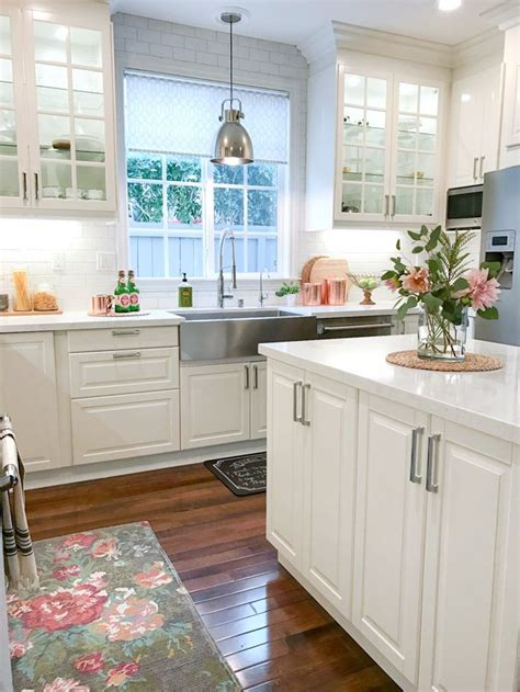 modern farmhouse kitchen 25 best ideas about white farmhouse kitchens on pinterest