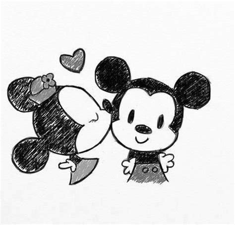 doodle mickey mouse mickey and minnie mouse drawing things to doodle