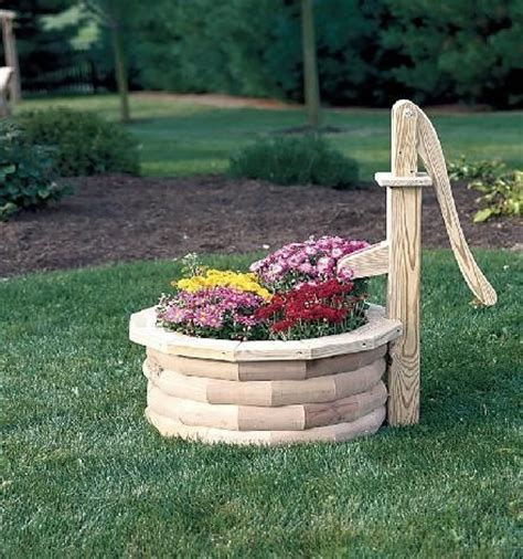Wooden Well Planter by Unique Wooden Planter In Water And Well Shape