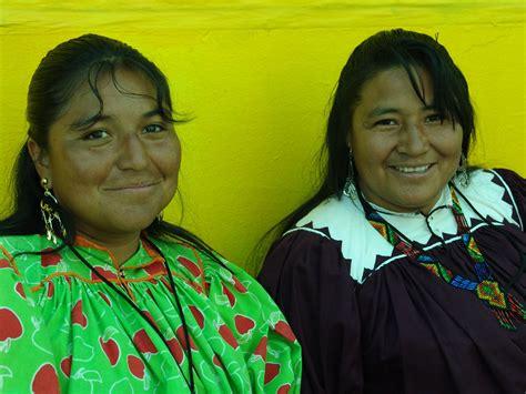 imagenes de mujeres indigenas mujer desde este lado de la isla