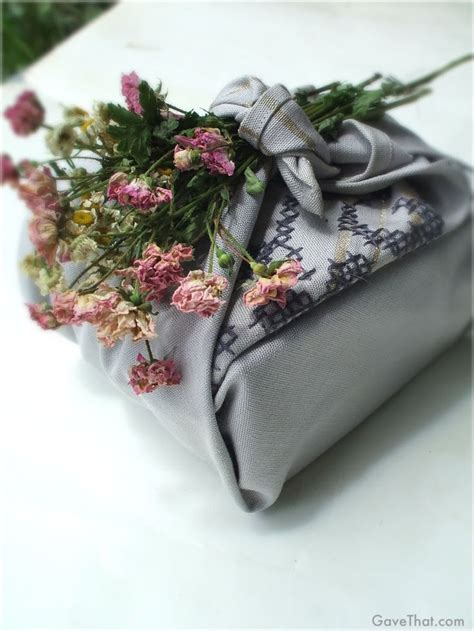japanese gift wrapping cloth 29 best furoshiki images on pinterest wear a scarf