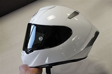 Fs Shoei Xr1100 Bradley Smith casque moto shoei のおすすめアイデア 25 件以上 casque shoei casque moto roof ドゥカティ モンスター
