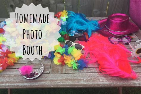 Handmade Photo Booth - thriftythursday how to make a photo booth