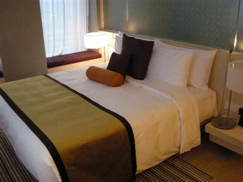hilton bedding modern business hotel in a prime location oasia hotel singapore by far east