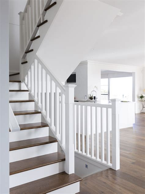 White Stair Handrail American Oak Mdf Timber Stair Staircase