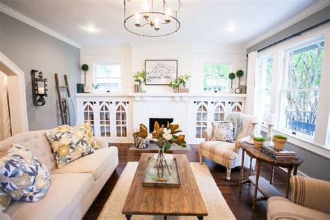 Fixer Living Room Rugs How To The Right Size Rug Joanna Gaines Living Room
