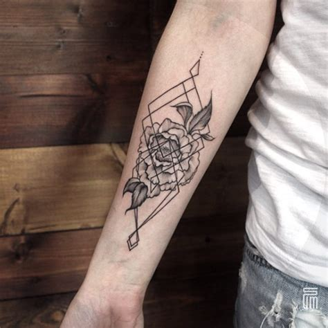 geometric tattoos for guys 40 geometric designs for and tattooblend