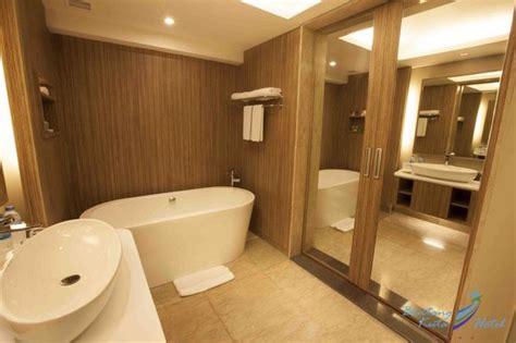 desain kamar mandi hotel bintang 3 bintang kuta hotel 45 5 6 updated 2018 prices