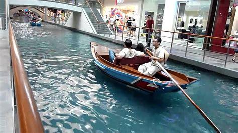 boat ride mbs marina bay sands resort singapore san canal ride