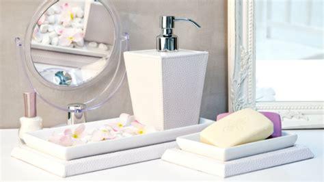 specchio con luce per bagno specchi da bagno con luce illuminazione moderna dalani