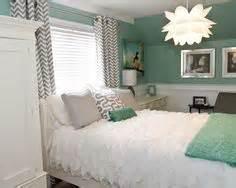 Bedrooms on pinterest green bedroom walls green bedrooms and green