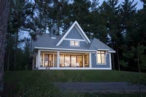 houses with a lot of lights big windows lots of light minimalist cottage plans