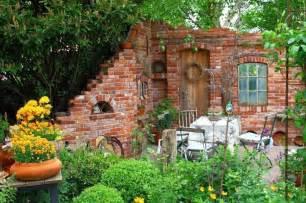 steinmauer garten steinmauer garten sichtschutz kunstrasen garten