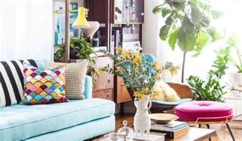 salon comedor de estilo vintage en colores alegres  luminosos