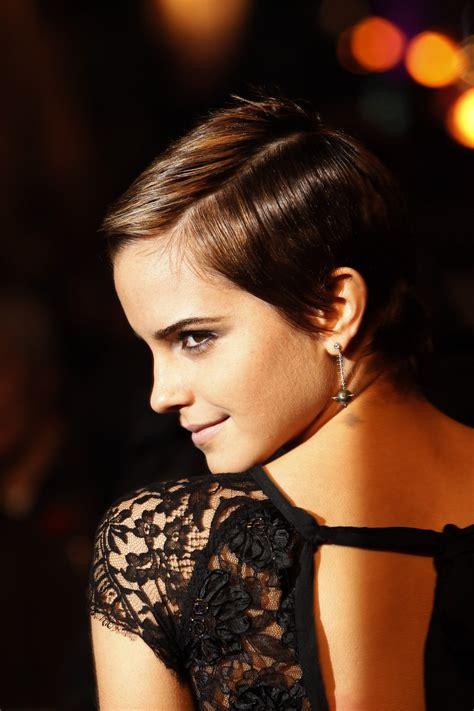 Emma Watson: Emma Watson Sexy Shoulder