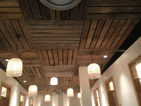 Diy Basement Ceiling Ideas Pallet Ceiling This Idea For Basement And Also Pallets For The Cornice Above The Barn