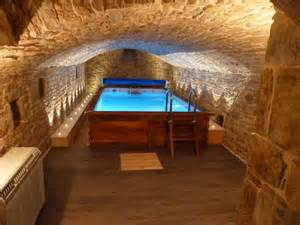 id 233 e piscine hors sol interieur