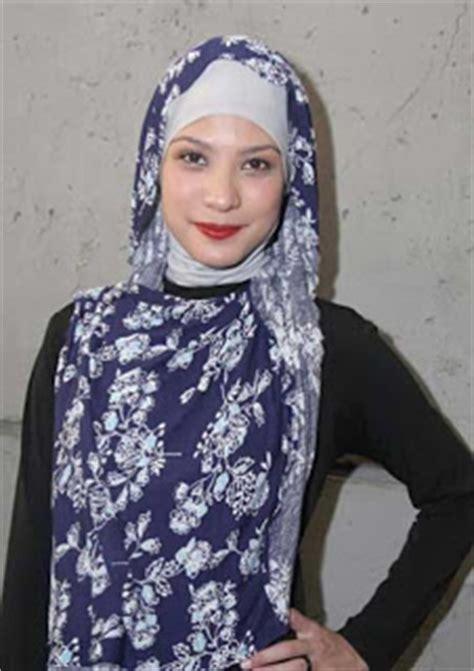 Kerudung Maryam kumpulan foto jilbab artis maryam