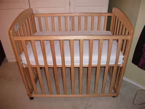 Mini Crib With Wheels Davinci Alpha Mini Rocking Crib Baby Crib With Wheels Baby