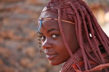 these himba women invite baby in their womb with a birth song!