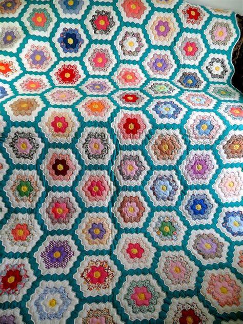 vintage flower pattern quilt 17 best images about grandmother s flower garden quilts on