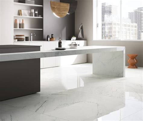 Savoia Canada Inc.   Porcelain Surfaces