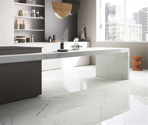 Savoia Canada Inc.   Porcelain Surfaces