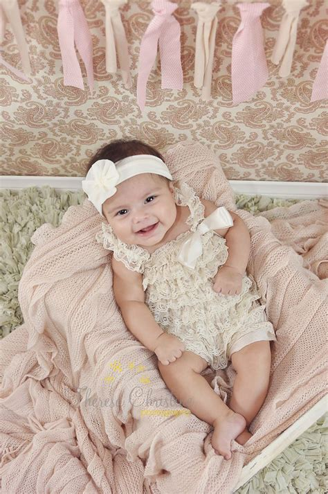 mneder p foto 4 months on photo 3 month old baby girl photography 3 month old poses 3